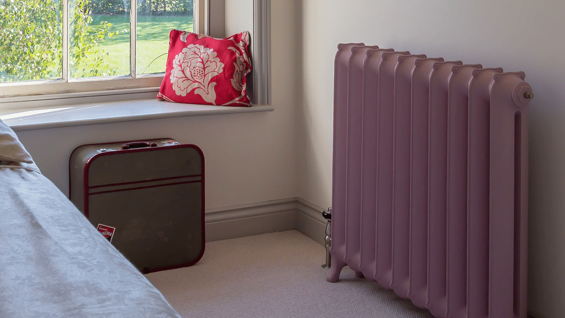 Paladin Montpelier Daisy Radiator Bone Colour