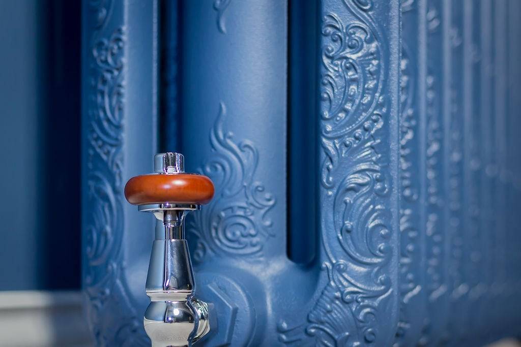 Stiffkey Blue Old-Fashioned Radiator and Valve